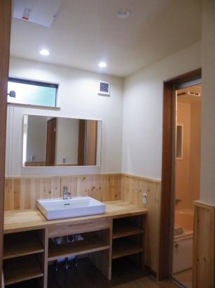 広々とスペースをとった洗面化粧台