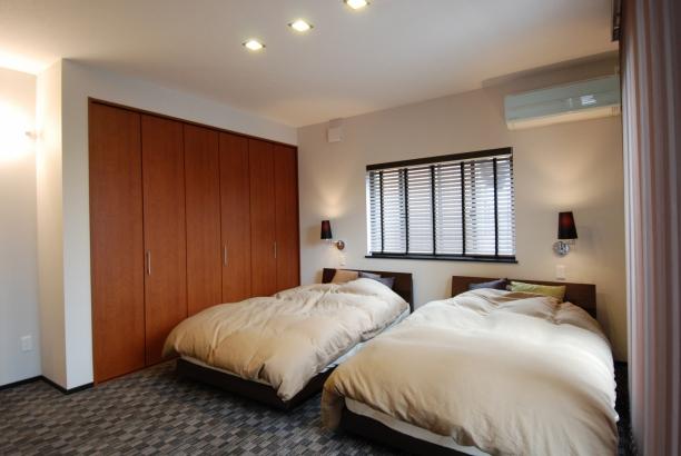 寝室 セミダブル×2