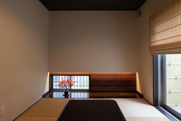 坪庭のある和室 座の空間に彩りを