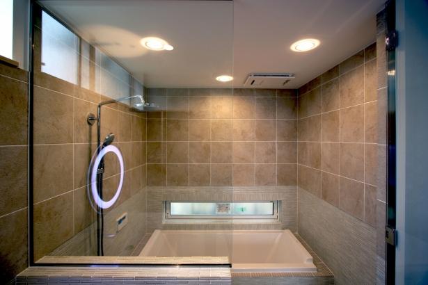 まるで高級ホテルのような仕上の造作浴室