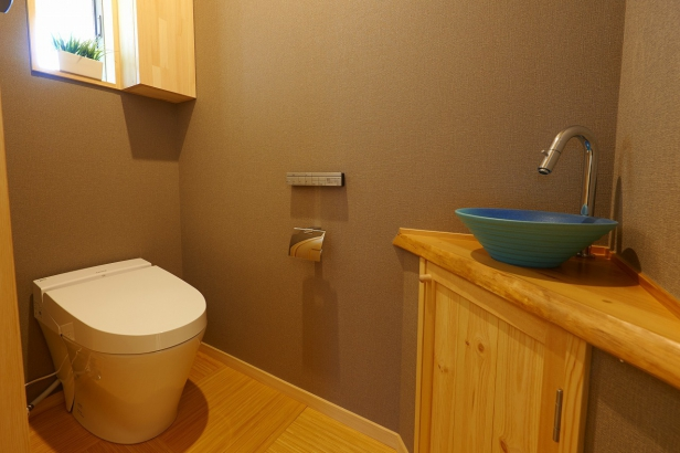 トイレ・信楽手洗い鉢