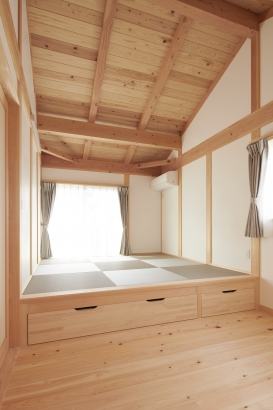 小上がり畳の寝室